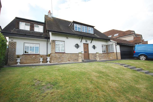 Thumbnail Detached house for sale in Hill Rise, Cuffley, Potters Bar