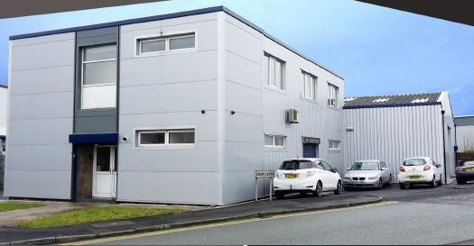Light industrial to let in Alexander House, Old Boston Trading Estate, Dixon Close, Haydock, Merseyside