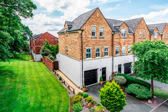 Thumbnail Town house for sale in Charnley Drive, Chapel Allerton, Leeds