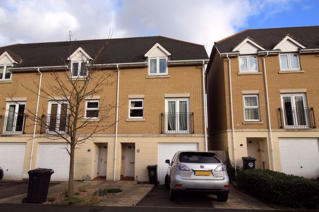 Thumbnail Semi-detached house to rent in Cochrane Drive, Dartford