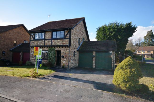 Thumbnail Detached house to rent in Lyndhurst Close, Bracknell