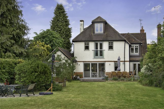 Thumbnail Detached house for sale in Wargrave Road, Twyford, Berkshire