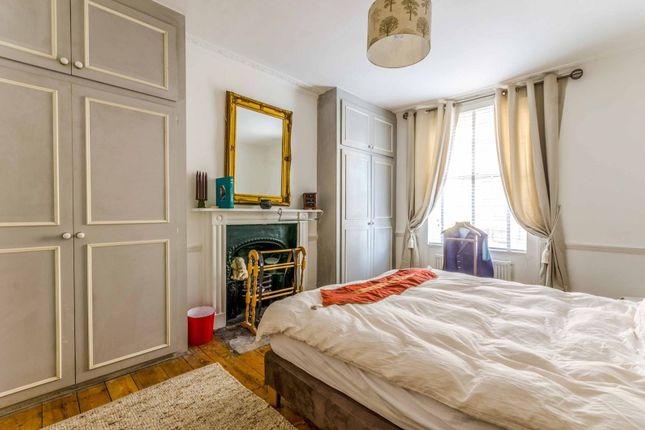 Thumbnail Maisonette for sale in Barnsbury Road, Barnsbury, London