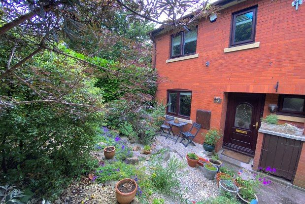 Thumbnail Property to rent in Bence Court, Bristol