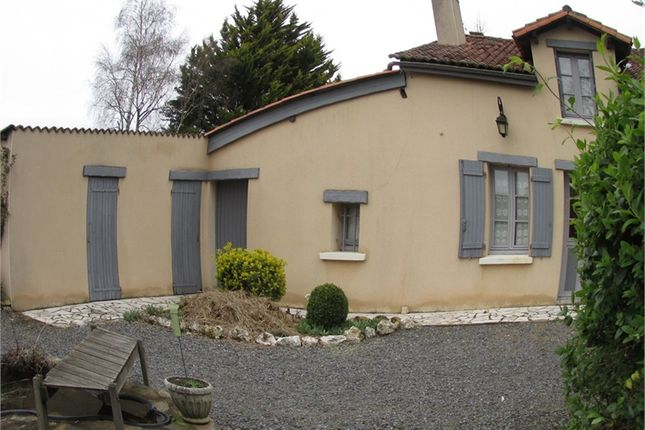 Thumbnail Property for sale in Poitou-Charentes, Vienne, Adriers