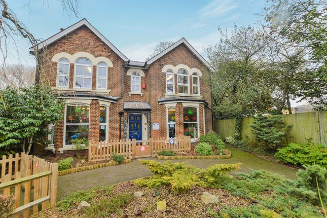 Thumbnail Detached house for sale in Hythe Road, Ashford