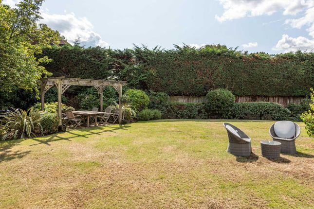 Garden of Oatlands Chase, Weybridge KT13