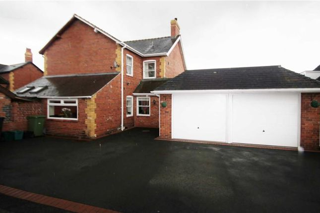 Thumbnail Semi-detached house to rent in Shepherds Lane, Chirk, Wrexham