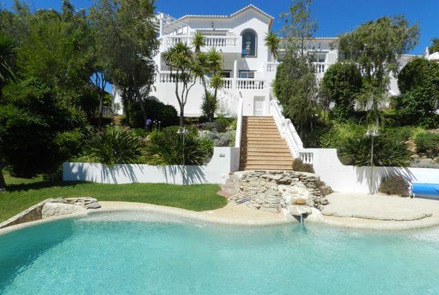 Villa for sale in M498 Exquisite Villa In Golf Resort, Budens, Algarve, Portugal