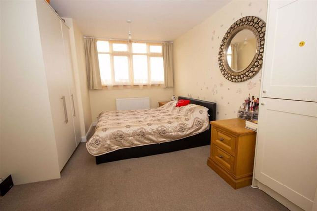 Thumbnail 1 bed flat to rent in Alexandra Avenue, Harrow, Middlesex