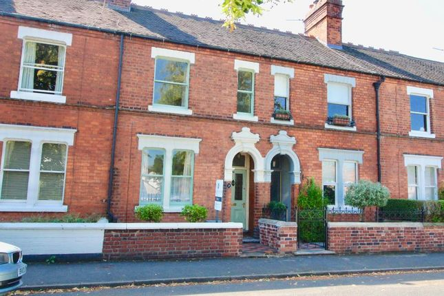 Thumbnail Property to rent in Kings Avenue, Stone, Staffordshire