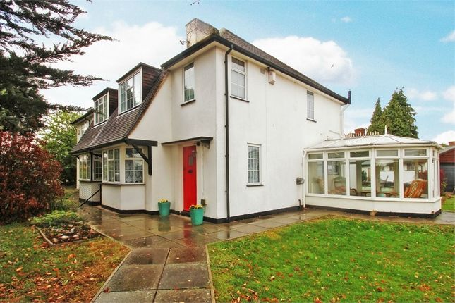 Thumbnail Semi-detached house to rent in Church Road, Iver Heath, Buckinghamshire