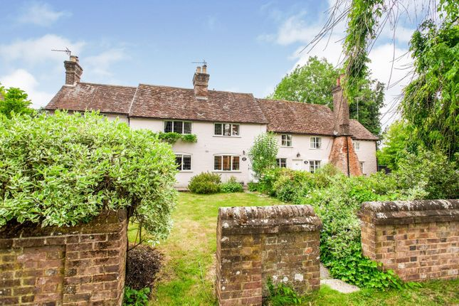 Cottage for sale in 44 Chipperfield Road, Bovingdon