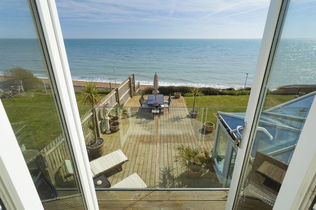Garden View of Lower Corniche, Hythe CT21