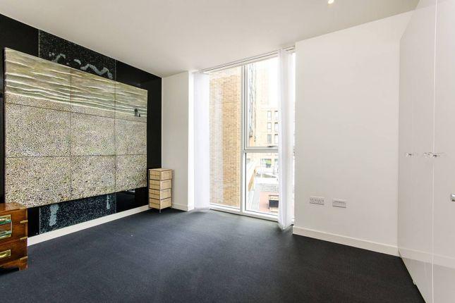 Thumbnail Flat to rent in Grosvenor Waterside, Chelsea