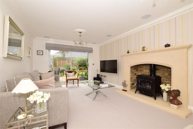 Thumbnail Detached house for sale in Bearsted Road, Weavering, Maidstone, Kent