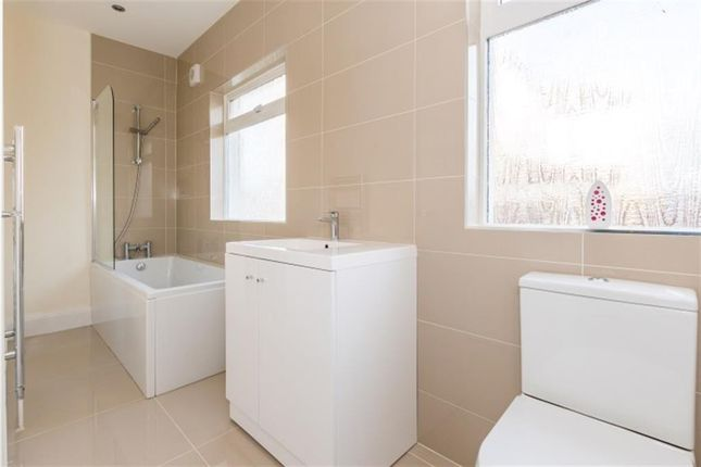 2 bed bungalow to rent in Ederoyd Avenue, Stanningley, Pudsey LS28