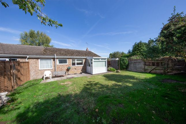 Thumbnail Semi-detached bungalow for sale in Linden Close, Dunstable, Bedfordshire
