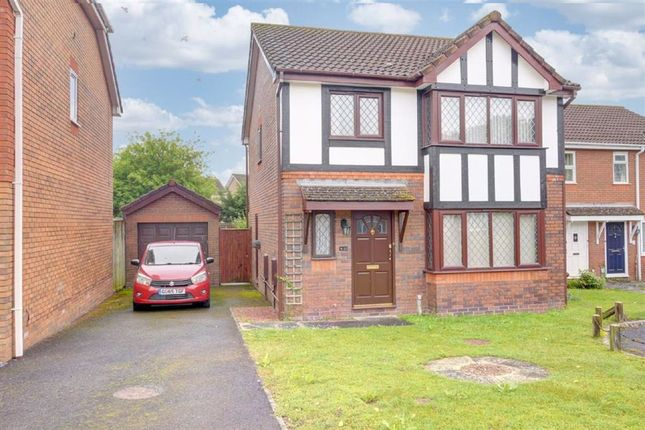 3 bed detached house for sale in Melrose Close, Hailsham BN27