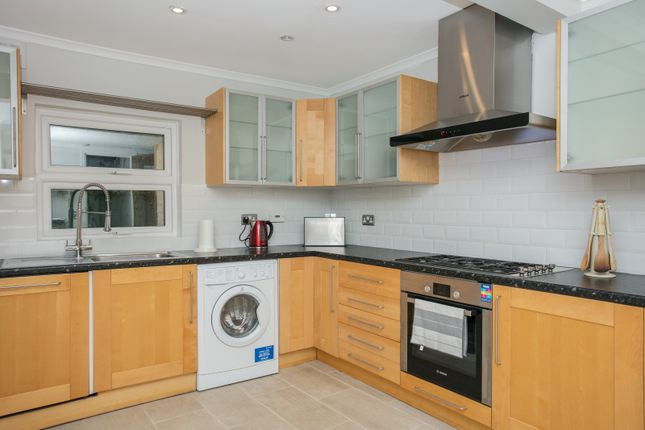 Thumbnail Town house to rent in Patience Road, Battersea, London