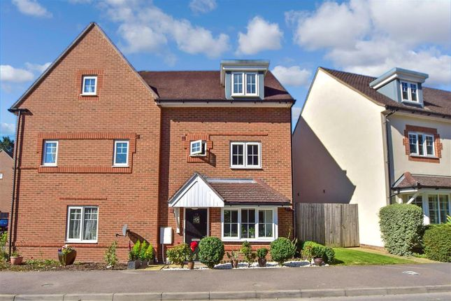 Thumbnail Semi-detached house for sale in Greenhurst Drive, East Grinstead, West Sussex