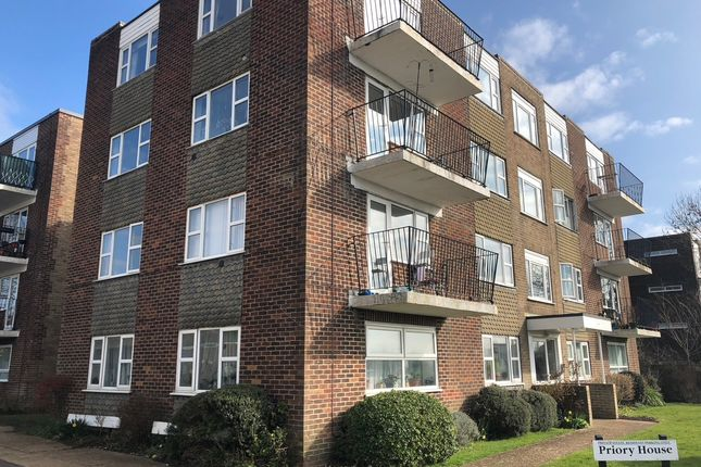 Thumbnail Flat to rent in Mountfield Road, Lewes