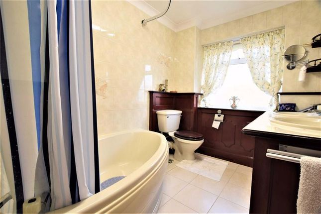 Bathroom of Fourth Avenue, Stanford-Le-Hope, Essex SS17