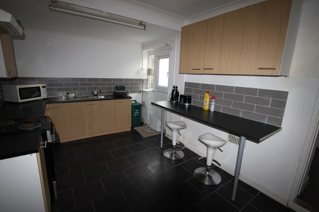 Thumbnail Property to rent in Kingsland Terrace Room 4 (House Share), Pontypridd