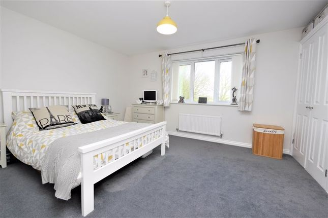 Bedroom of Blackthorn Road, Didcot OX11
