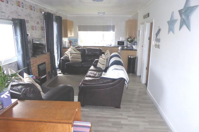 Living Area of 317A Main Road, Humberston, Grimsby DN36