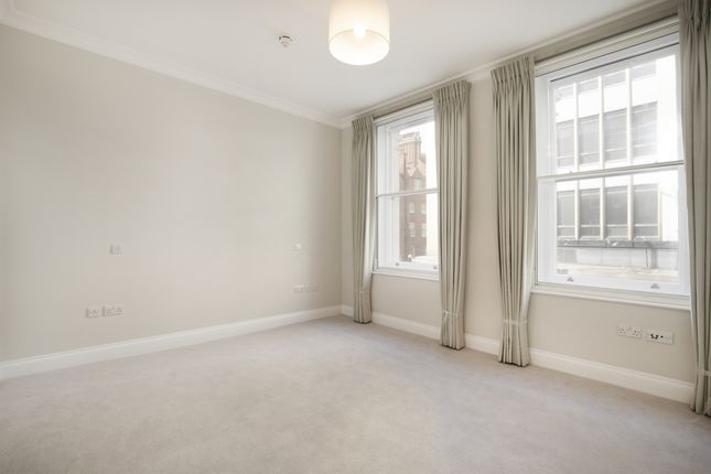 2 bed flat to rent in Duke Of York Square, London SW3