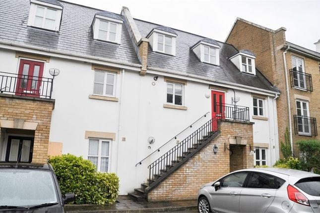 Thumbnail Maisonette for sale in (Accessed Off Parkside Court), New Writtle Street, Chelmsford, Essex