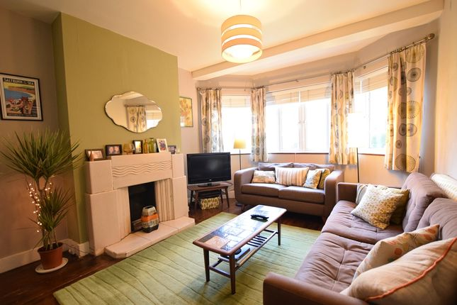 1 bed flat for sale in Chiswick Village, London