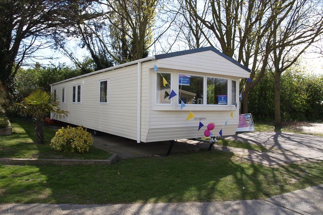 Mobile/park home for sale in Hall Lane, Walton On The Naze