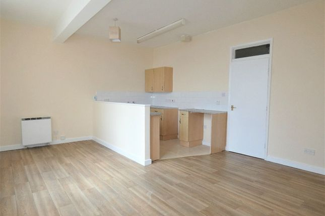 Thumbnail Flat to rent in The Boulevard, Tunstall, Stoke-On-Trent, Staffordshire
