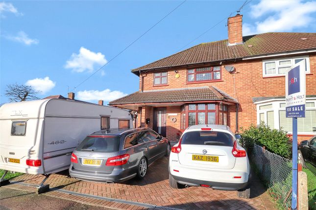 Thumbnail Semi-detached house for sale in High Acres, Abbots Langley