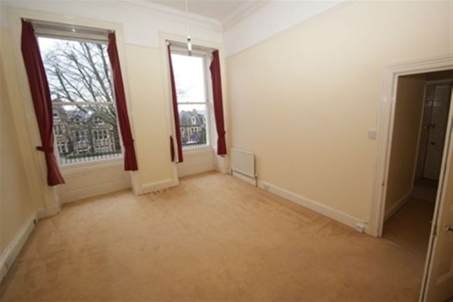1 bed flat to rent in Royal York Crescent, Clifton, Bristol