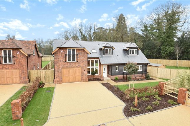 Thumbnail Detached house for sale in Bath Road, Littlewick Green, Berkshire