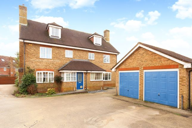 Thumbnail Semi-detached house to rent in Barley View, North Waltham, Basingstoke