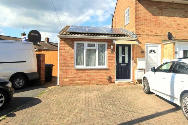 Thumbnail Property for sale in Commons Lane, Adeyfield