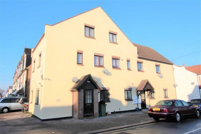 Thumbnail Flat for sale in Pall Mall, Leigh-On-Sea, Essex