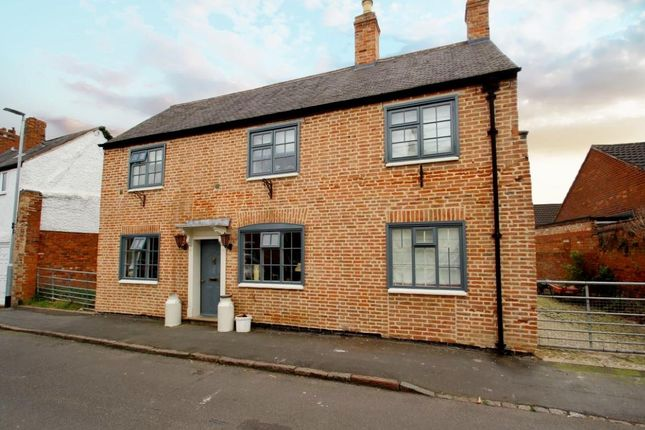 Thumbnail Cottage for sale in Turn Street, Syston, Leicestershire
