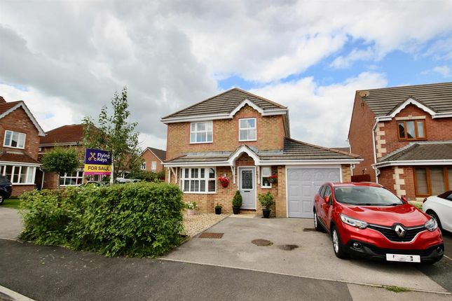 Thumbnail Detached house for sale in Rhodfa Glascoed, Blackwood