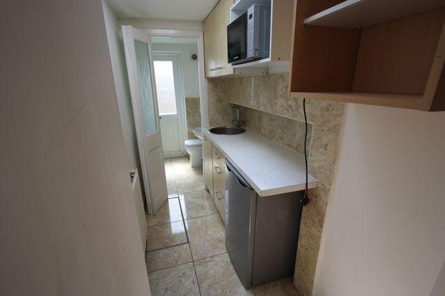 Studio to rent in Lymington Close, Streatham/Norbury SS16