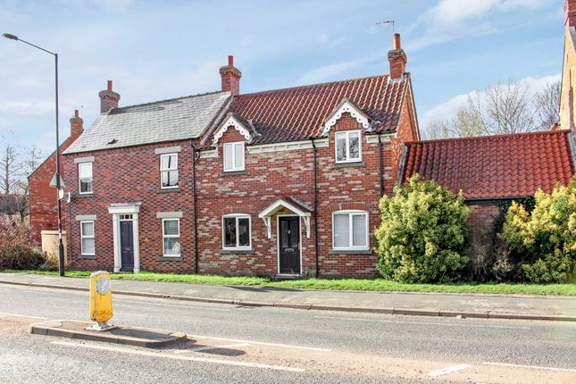 2 bed semi-detached house to rent in Huntington Road, York YO31