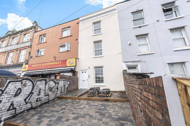 2 bedroom flat for sale in Sussex Place, Bristol