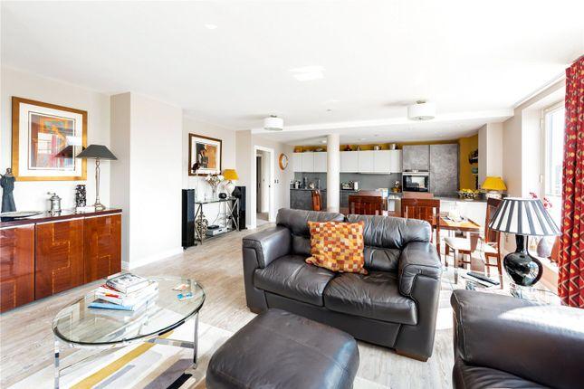 Thumbnail Flat for sale in Royal View, Victoria Bridge Road, Bath