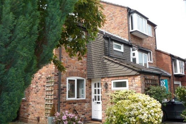Thumbnail Terraced house to rent in 5 Sandringham Way, Ws
