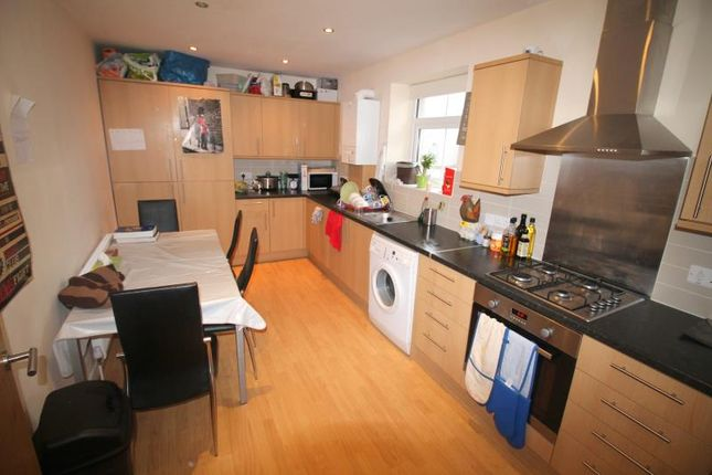 Thumbnail Maisonette to rent in Richmond Road, Cathays, Cardiff