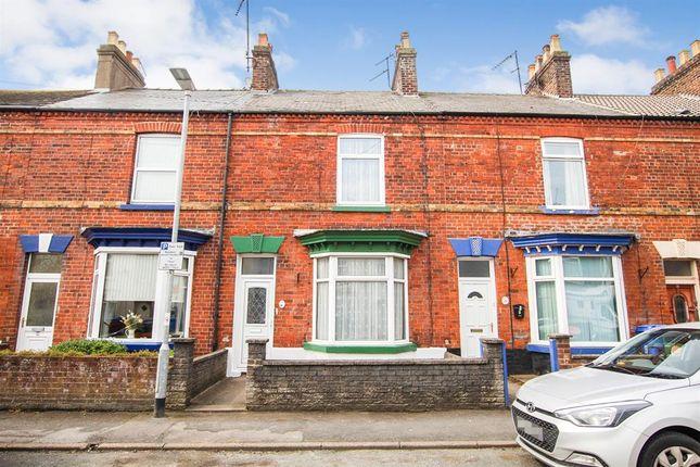 Thumbnail Terraced house for sale in Nelson Street, Bridlington